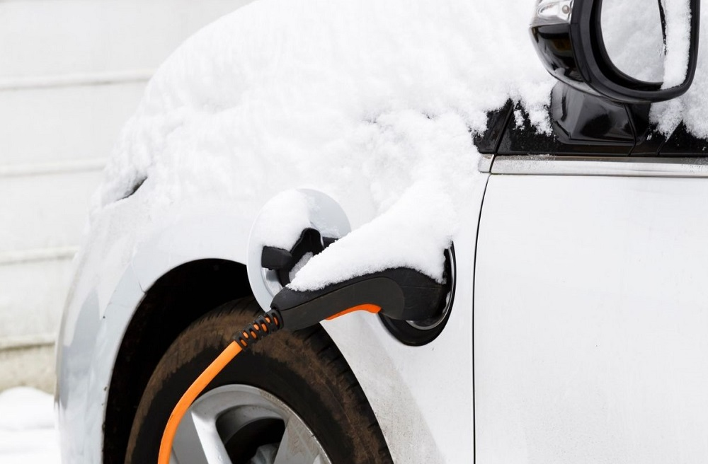 How Do Electric Cars Handle In Snow