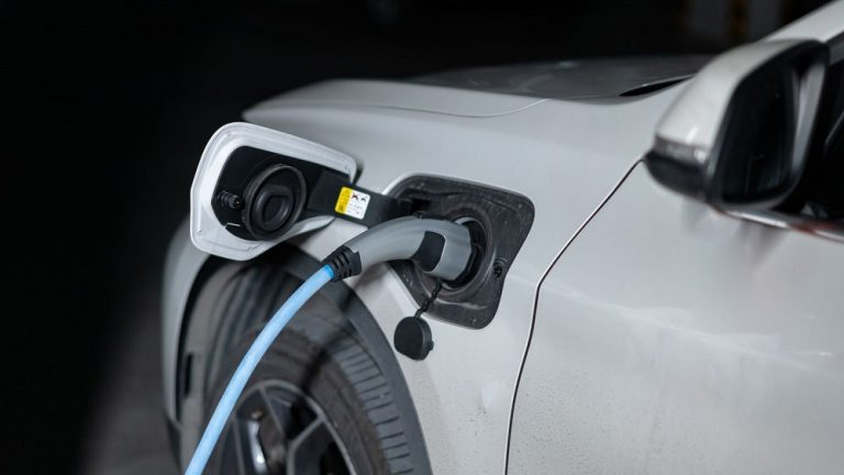 What Happens If A Tesla Runs Out Of Charge?